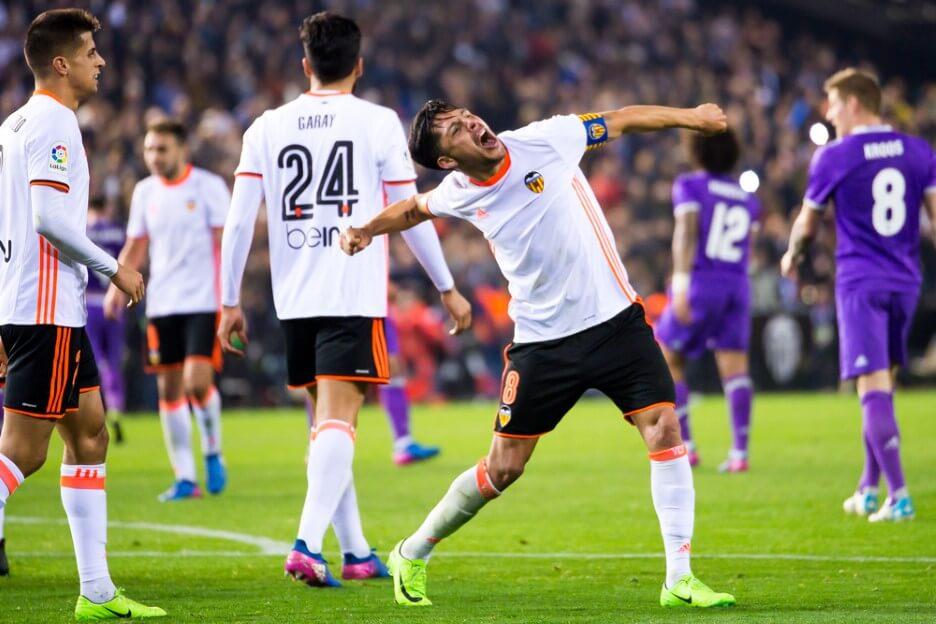 Enzo Perez celebrates a goal