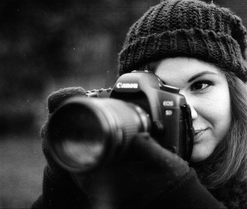 Woman-Professional Prhotographer
