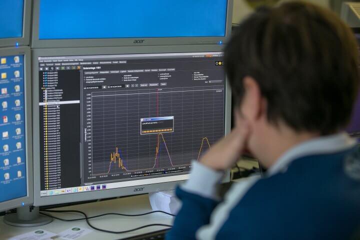 trader monitors the chart