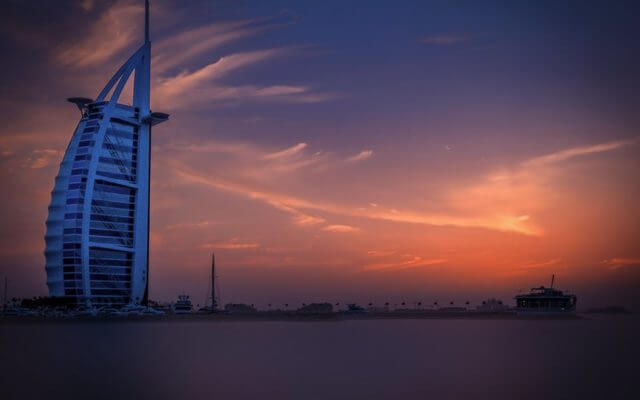 Dubai Job Secrets Review: Can You Get A Great Job In Dubai In 2 Weeks?