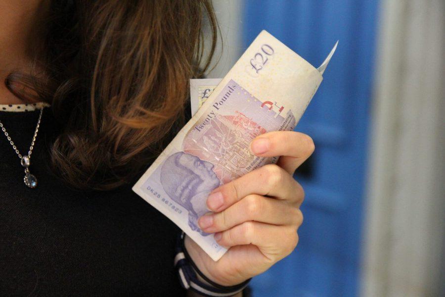pounds-1780845_1920.jpg