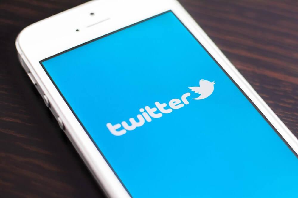 twitter app in phone