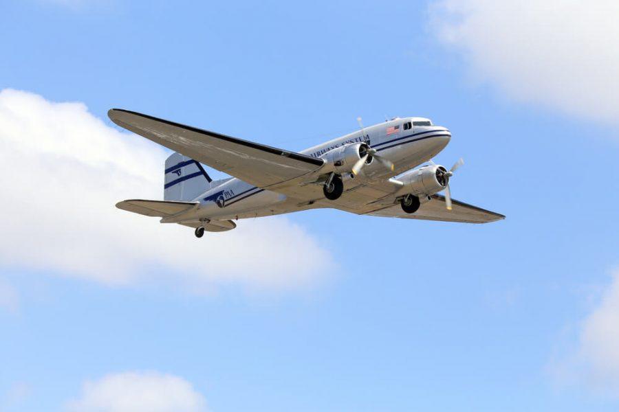 vintage DC-3